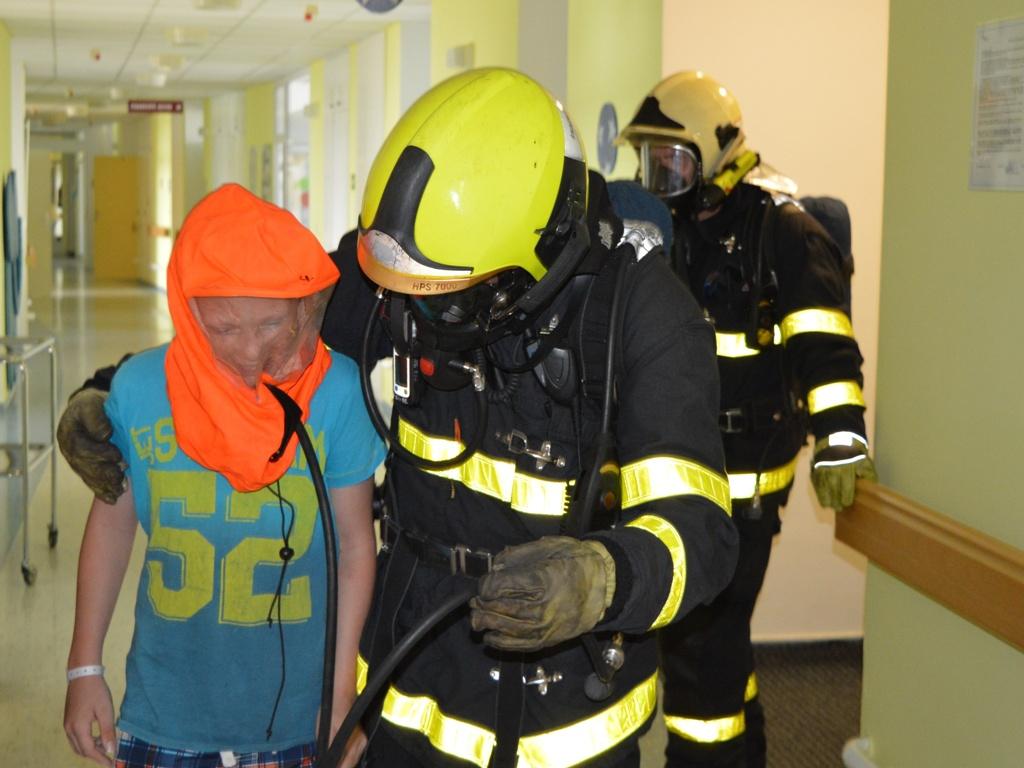 Beseda hasičů v nemocnici F-M