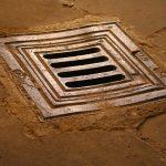 Dochází k rozšíření kanalizací i hřbitovů